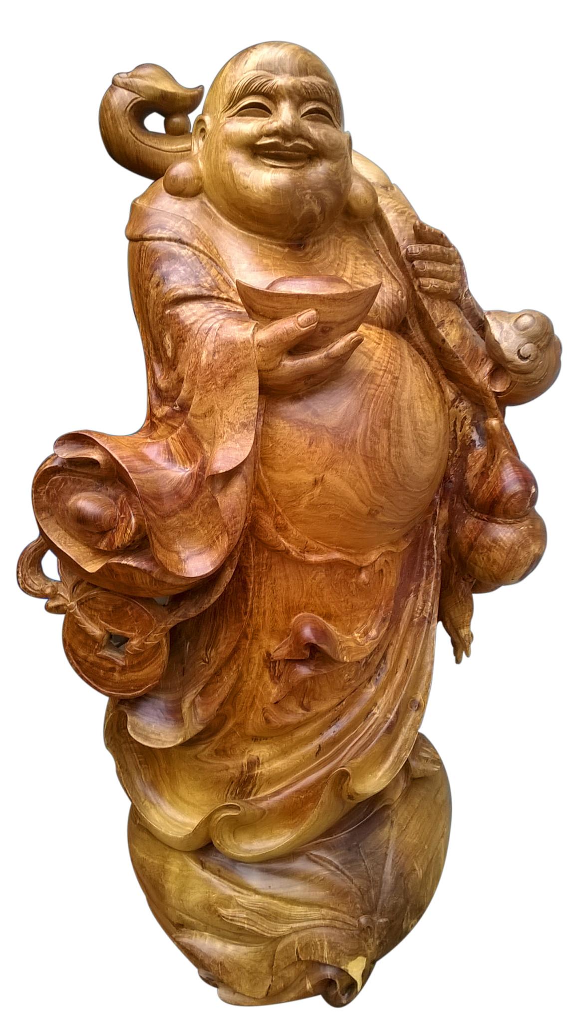 Tượng Bồ Tát Di Lặc – một trong những tác phẩm điêu khắc nghệ nhân Nguyễn Nam dày công thực hiện